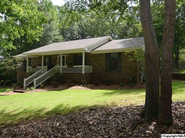 4 bed 2.75 bath Single Family at 5616 Pawnee Cir Guntersville, AL, 35976 is for sale at 270k - 1 of 37
