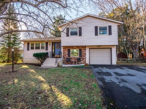 3 bed 2 bath Single Family at 48 San Martin Dr Gansevoort, NY, 12831 is for sale at 225k - 1 of 25