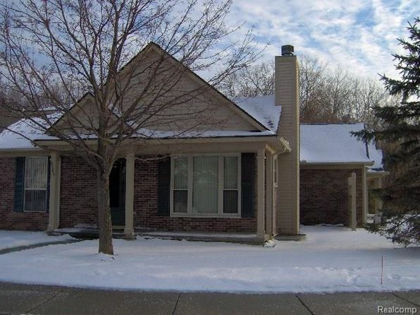 2 bed 3 bath Condo at 4046 Stonebridge Holly, MI, 48442 is for sale at 139k - 1 of 22