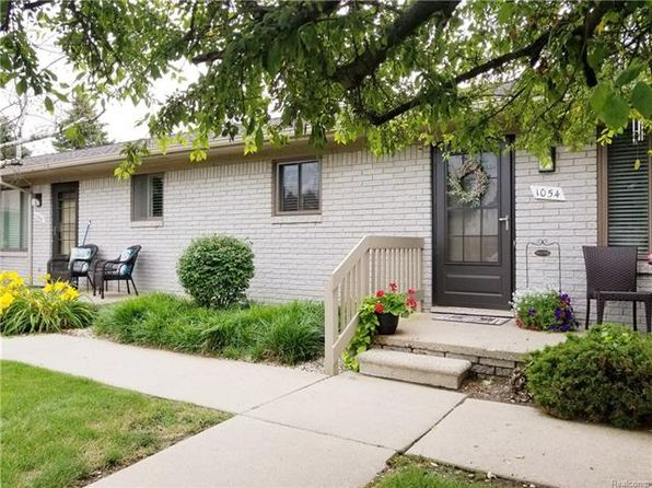2 bed 1 bath Condo at 1054 Hillcrest Dr Oxford, MI, 48371 is for sale at 74k - 1 of 12