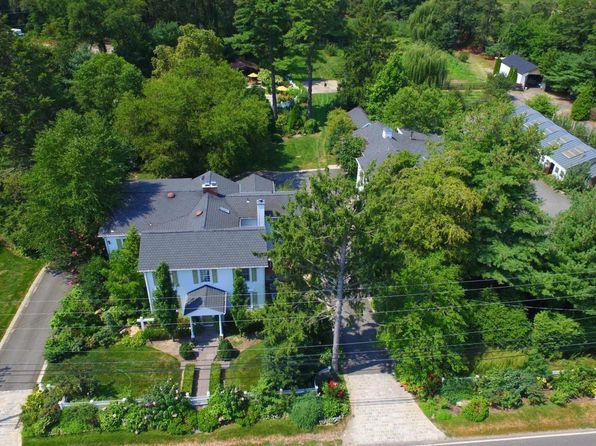 4 bed 7 bath Single Family at 366 Fairfield Rd Freehold, NJ, 07728 is for sale at 950k - 1 of 71