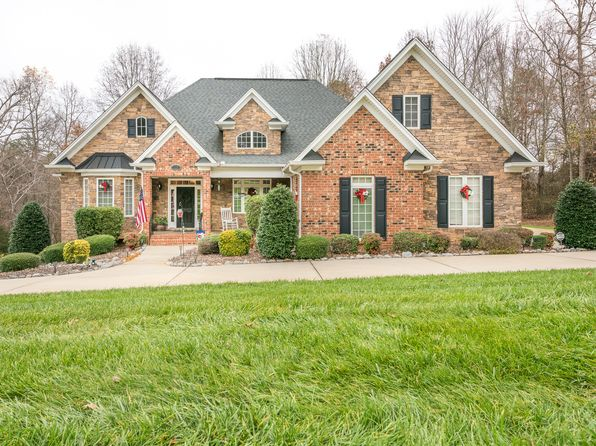 4 bed 5 bath Single Family at 123 Vista Bluff Ln Mooresville, NC, 28117 is for sale at 625k - 1 of 24