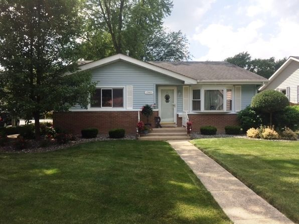 3 bed 2 bath Single Family at 1540 Main St Crete, IL, 60417 is for sale at 145k - 1 of 28