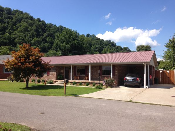 3 bed 2 bath Single Family at 60 Lawson St Prestonsburg, KY, 41653 is for sale at 170k - 1 of 35