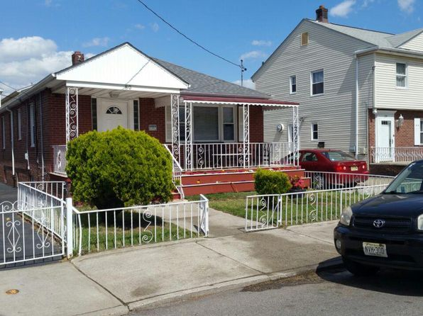 3 bed 2 bath Single Family at 80 Broadman Pkwy Jersey City, NJ, 07305 is for sale at 450k - 1 of 25