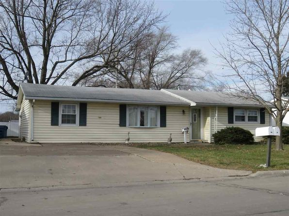 3 bed 1 bath Single Family at 2310 10th St Silvis, IL, 61282 is for sale at 100k - 1 of 24
