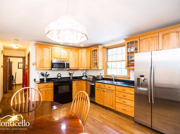 5 bed 2 bath Single Family at 16 Friar Tuck Rd Albany, NY, 12203 is for sale at 288k - 1 of 24