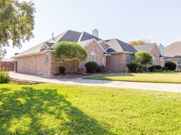 4 bed 2 bath Single Family at 217 Brazil Dr Hurst, TX, 76054 is for sale at 275k - 1 of 19