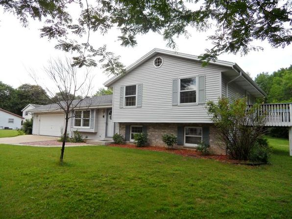4 bed 2 bath Single Family at 11010 W Carmen Ave Milwaukee, WI, 53225 is for sale at 190k - 1 of 21