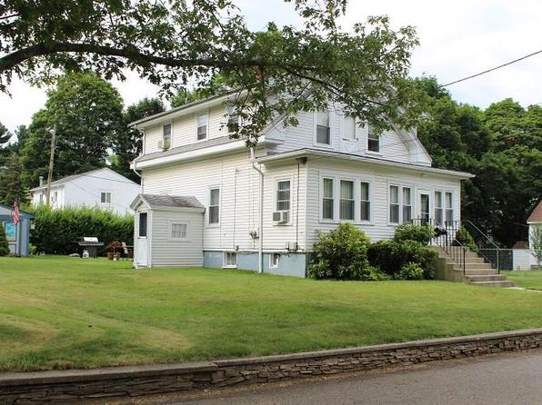 2 bed null bath Multi Family at 24 Rosedale St North Providence, RI, 02911 is for sale at 225k - 1 of 20