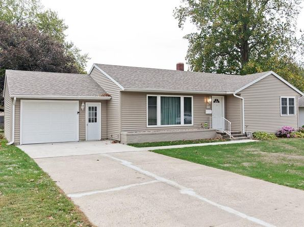 2 bed 1 bath Single Family at 112 N 9th Ave Vinton, IA, 52349 is for sale at 140k - 1 of 24