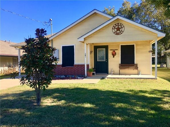 3 bed 2 bath Single Family at 303 Lipscomb St Cleburne, TX, 76031 is for sale at 100k - 1 of 13