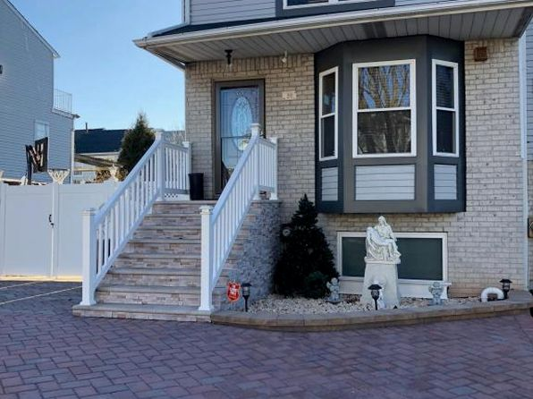 2 bed 3 bath Single Family at 22 Villanova St Staten Island, NY, 10314 is for sale at 649k - 1 of 39