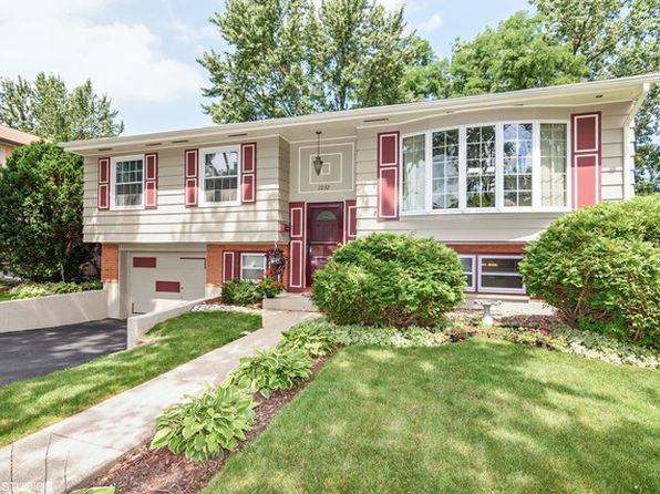 3 bed 2 bath Single Family at 1032 Valley Stream Dr Wheeling, IL, 60090 is for sale at 275k - 1 of 10