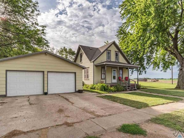 3 bed 1 bath Single Family at 760 Montana St Centerville, SD, 57014 is for sale at 130k - 1 of 17