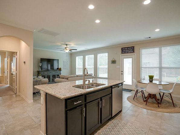 4 bed 2.5 bath Single Family at 126 Verismo Ct Montgomery, TX, 77316 is for sale at 269k - 1 of 19
