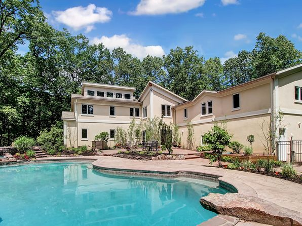 6 bed 7 bath Single Family at 6 Hidden Pond Dr Reading, PA, 19607 is for sale at 450k - 1 of 7