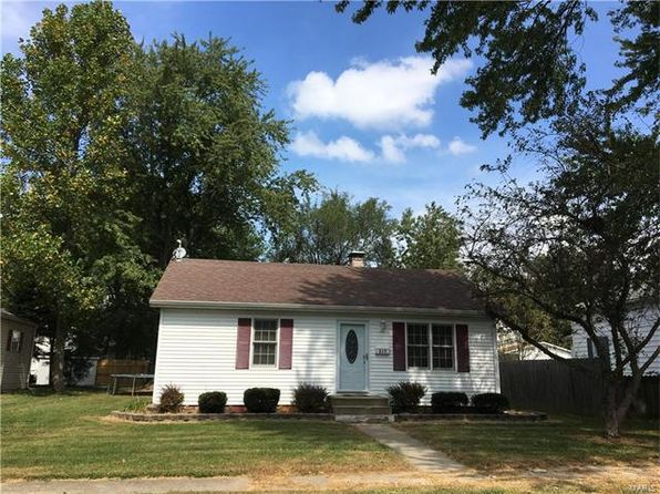2 bed 1 bath Single Family at 517 E Winter Ave Greenville, IL, 62246 is for sale at 60k - google static map
