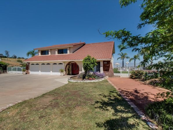 4 bed 3 bath Single Family at 17655 Mockingbird Hill Cir Riverside, CA, 92504 is for sale at 550k - 1 of 44