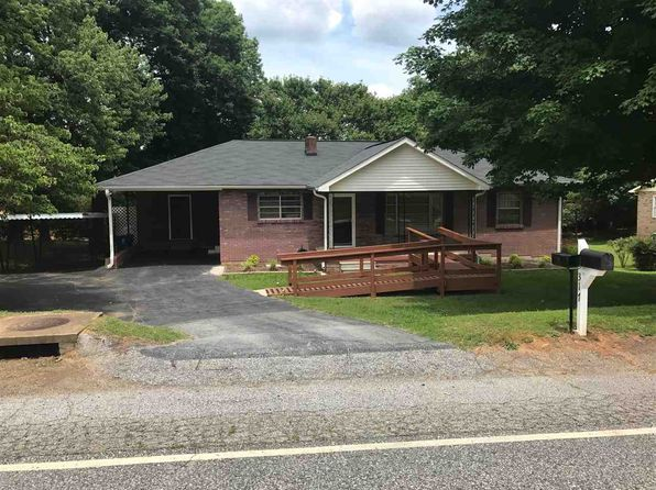 2 bed 1 bath Single Family at 317 Redland Rd Landrum, SC, 29356 is for sale at 100k - 1 of 11