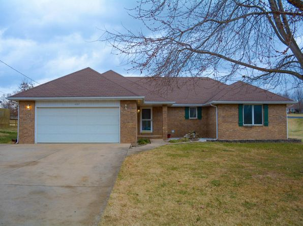 3 bed 2 bath Single Family at 407 E Miller Rd Republic, MO, 65738 is for sale at 135k - 1 of 26