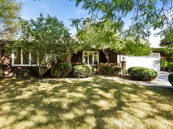 3 bed 2 bath Single Family at 1507 Foxhill Rd Naperville, IL, 60563 is for sale at 320k - 1 of 76