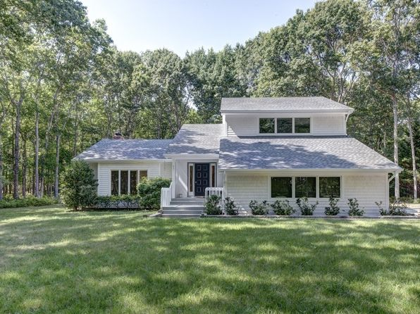 3 bed 3 bath Single Family at 17 Crescent Way Shelter Island, NY, 11964 is for sale at 975k - 1 of 13