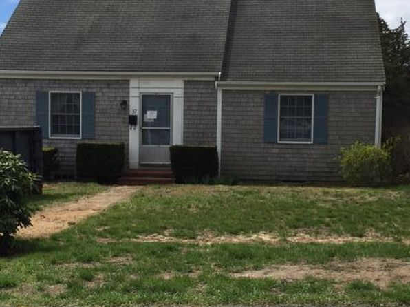 5 bed 2 bath Single Family at 37 Old Academy Rd Chatham, MA, 02633 is for sale at 679k - 1 of 5