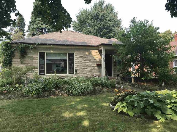 3 bed 1 bath Single Family at 820 W 3rd St Appleton, WI, 54914 is for sale at 119k - 1 of 6