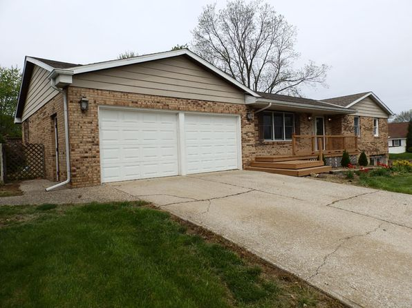 3 bed 2 bath Single Family at 125 Haney Ln Pittsfield, IL, 62363 is for sale at 179k - 1 of 28