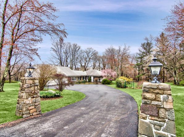 4 bed 4 bath Single Family at 462 Golf Dr Buck Hill Falls, PA, 18323 is for sale at 399k - 1 of 29