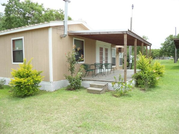 1 bed 1 bath Single Family at 1203 W DALLAS AVE SEADRIFT, TX, 77983 is for sale at 68k - 1 of 17