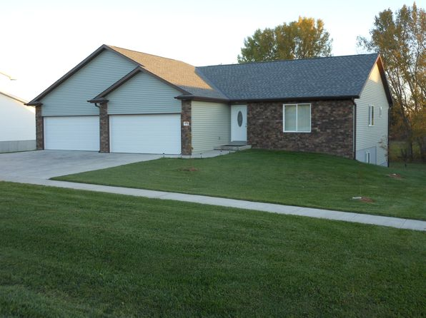 5 bed 3 bath Single Family at 1095 COTTONWOOD ST BENNET, NE, 68317 is for sale at 266k - 1 of 59