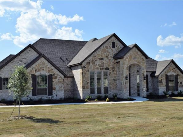 4 bed 3 bath Single Family at 104 Spirit Ct Weatherford, TX, 76087 is for sale at 328k - 1 of 25