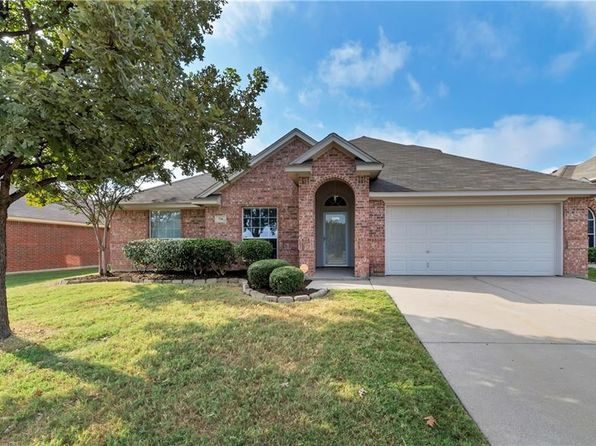 4 bed 2 bath Single Family at 736 Bur Oak Dr Burleson, TX, 76028 is for sale at 234k - 1 of 26