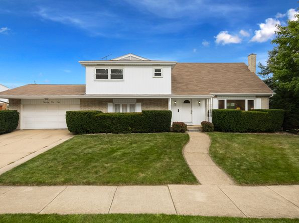 4 bed 3 bath Single Family at 2110 E Sherwood Rd Arlington Heights, IL, 60004 is for sale at 425k - 1 of 23