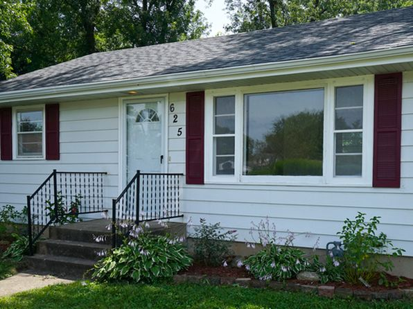 2 bed 1 bath Single Family at 625 Colonial Dr Machesney Park, IL, 61115 is for sale at 80k - 1 of 25