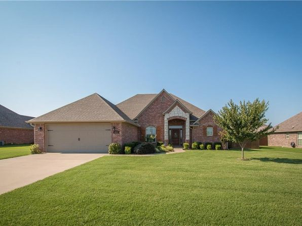 4 bed 2 bath Single Family at 3903 SW Roundstone Blvd Bentonville, AR, 72712 is for sale at 225k - 1 of 7