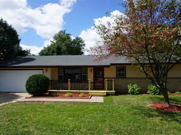 3 bed 1 bath Single Family at 7706 Deerfield Rd Loves Park, IL, 61111 is for sale at 115k - 1 of 15