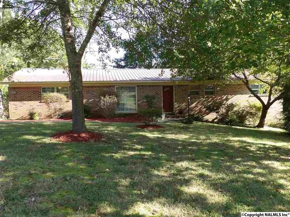 3 bed 2 bath Single Family at 4912 Lee St Guntersville, AL, 35976 is for sale at 120k - 1 of 11