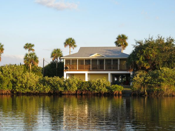 3 bed 2 bath Single Family at 540 N Lake Cir Crystal River, FL, 34429 is for sale at 309k - 1 of 15