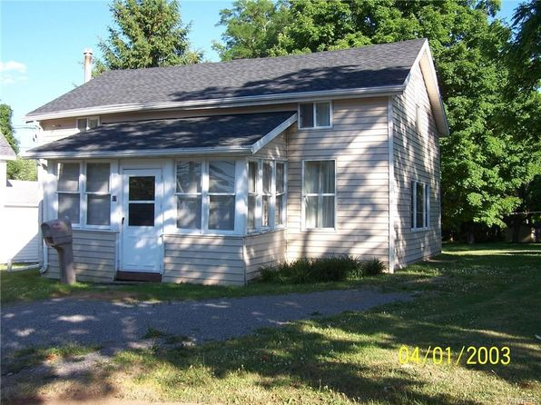 3 bed 2 bath Single Family at 67 W Main St Attica, NY, 14011 is for sale at 38k - 1 of 12