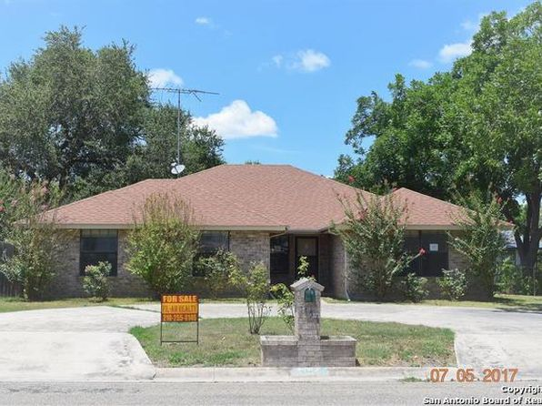 3 bed 3 bath Single Family at 1154 32nd St Hondo, TX, 78861 is for sale at 151k - 1 of 19