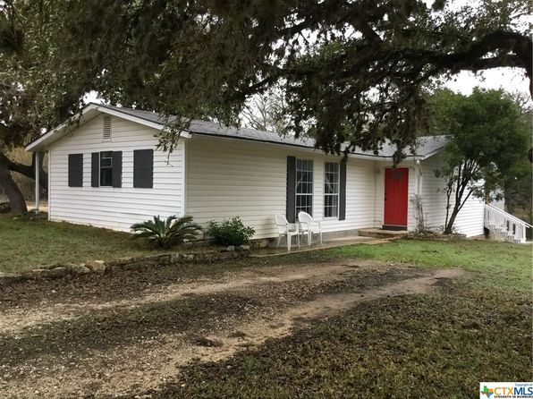 3 bed 2 bath Single Family at 130 CREEKVIEW DR CANYON LAKE, TX, 78133 is for sale at 140k - 1 of 44