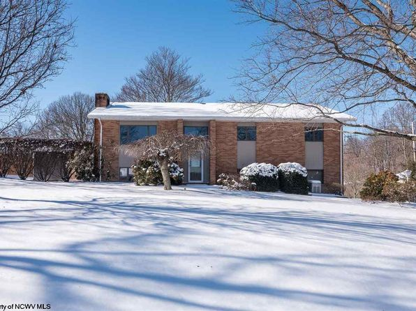 3 bed 3 bath Single Family at 2302 Surrey Dr Morgantown, WV, 26505 is for sale at 265k - 1 of 20