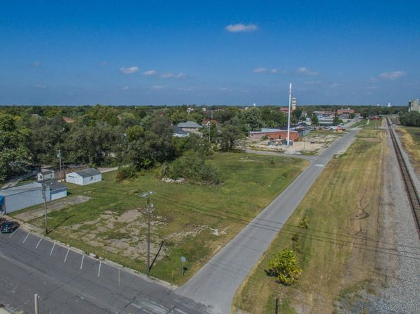null bed null bath Vacant Land at 101 W Carpenter & 100 W Lee St Moberly, MO, 65270 is for sale at 25k - 1 of 7