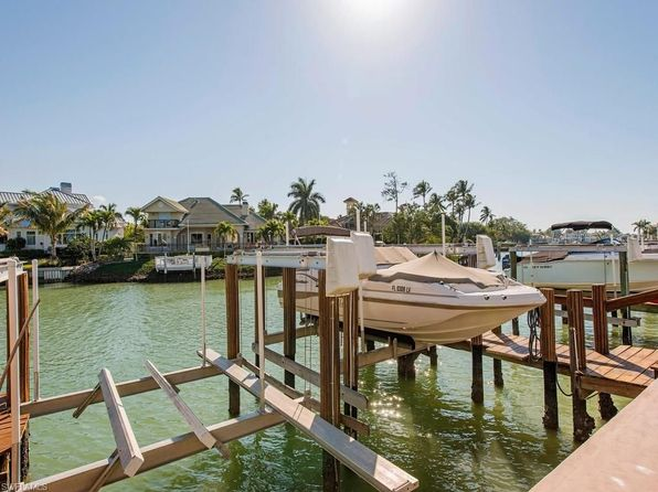 2 bed 2 bath Condo at 2100 Gulf Shore Blvd N Naples, FL, 34102 is for sale at 379k - 1 of 12