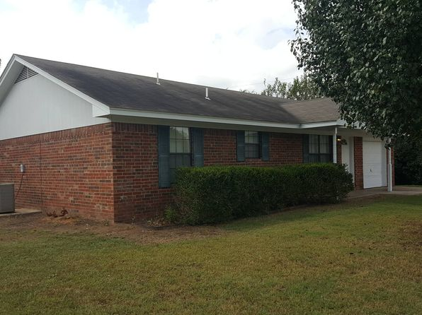 3 bed 2 bath Single Family at 303 C St Hugo, OK, 74743 is for sale at 80k - 1 of 35