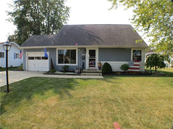 4 bed 2 bath Single Family at 1041 Hemlock St Celina, OH, 45822 is for sale at 129k - 1 of 23
