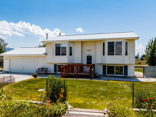 3 bed 2 bath Single Family at 112 Agate Dr Spring Creek, NV, 89815 is for sale at 227k - 1 of 29